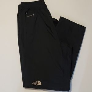 THE NORTH FACE HyVent DT nylon pants size S.